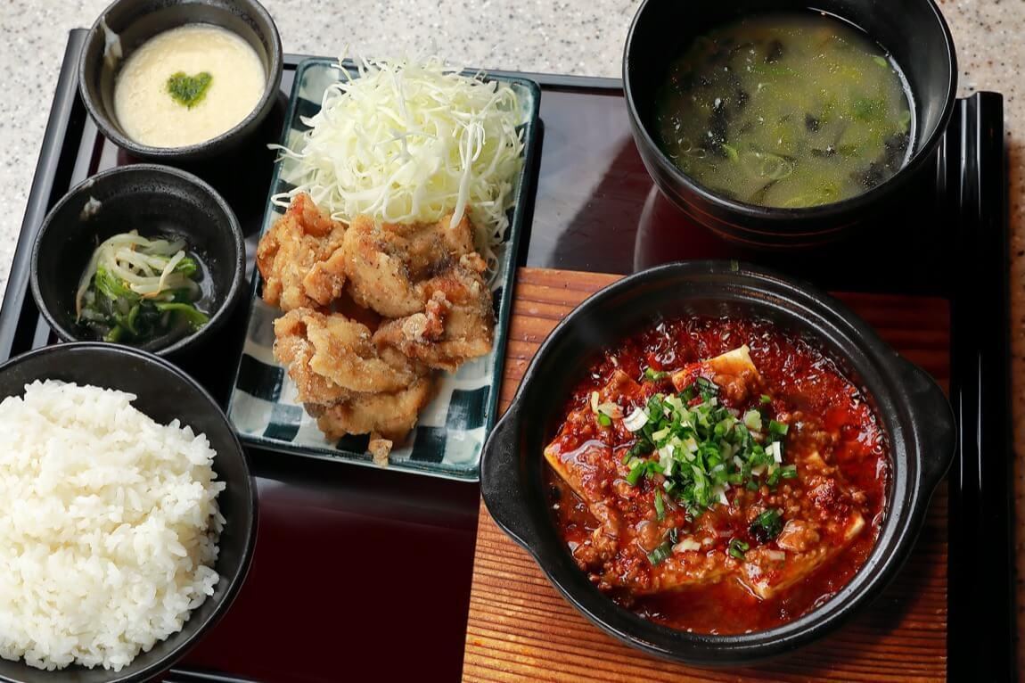 串焼き もんじろう 麻婆豆腐&塩唐揚げ定食