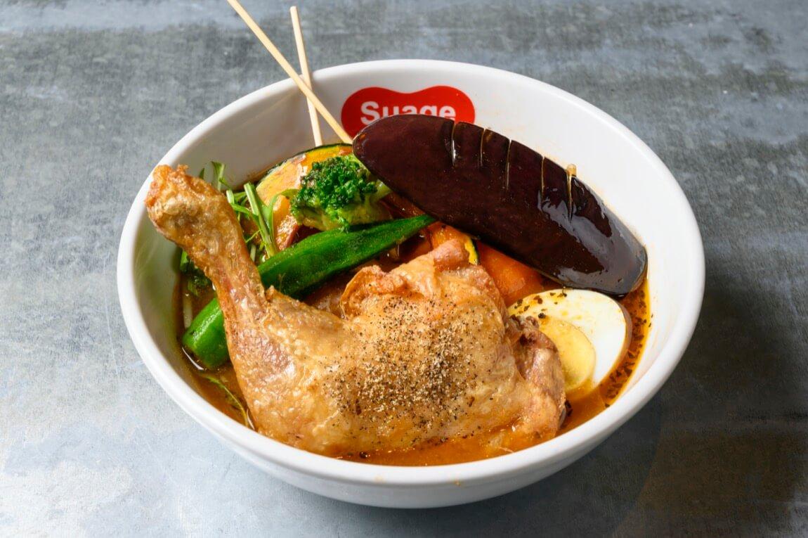 北海道スープカレーSuage チキンレッグと野菜カレー