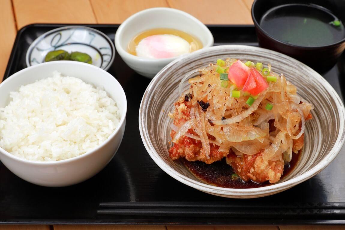 餃子酒場 ツツム 油淋鶏定食