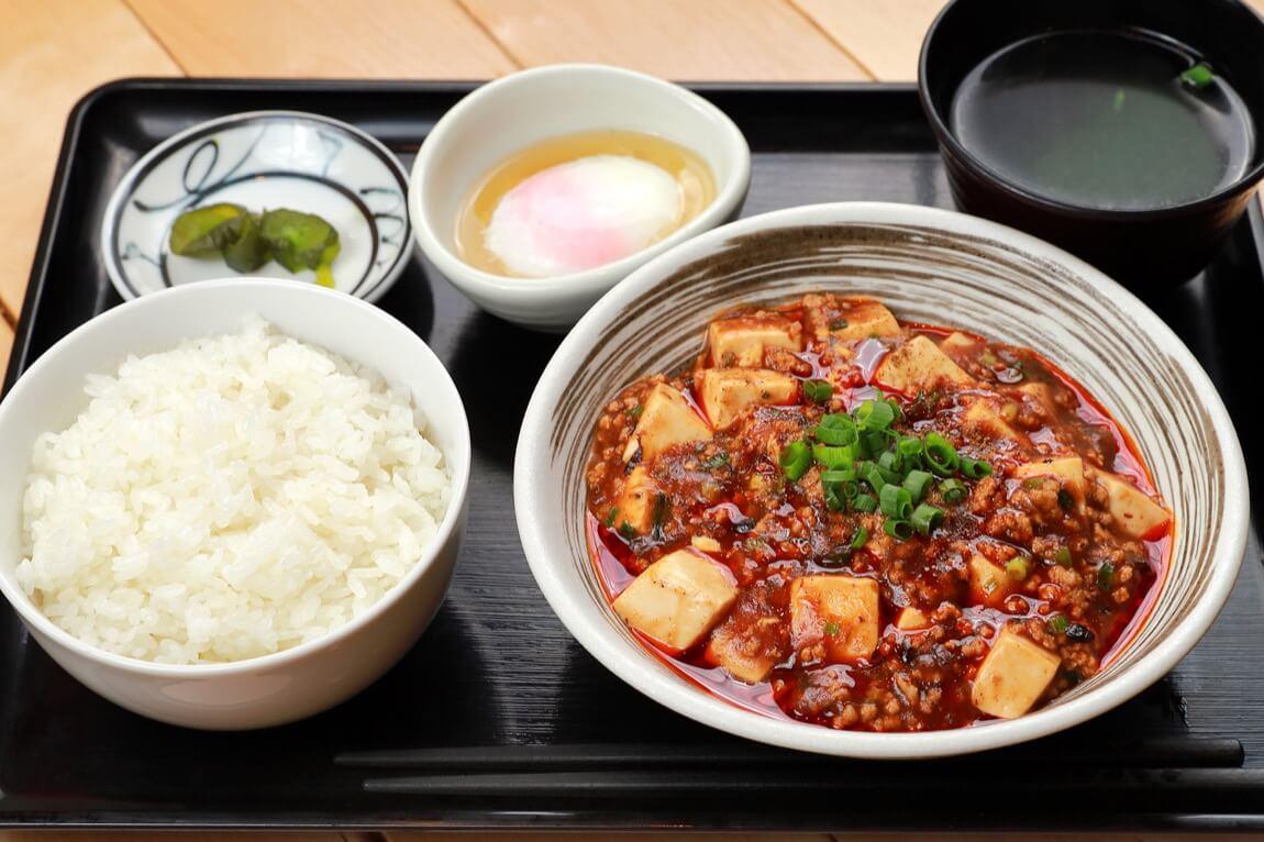 餃子酒場 ツツム 麻婆豆腐定食